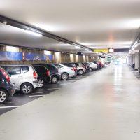 L'aéroport d'Orly et ses parkings